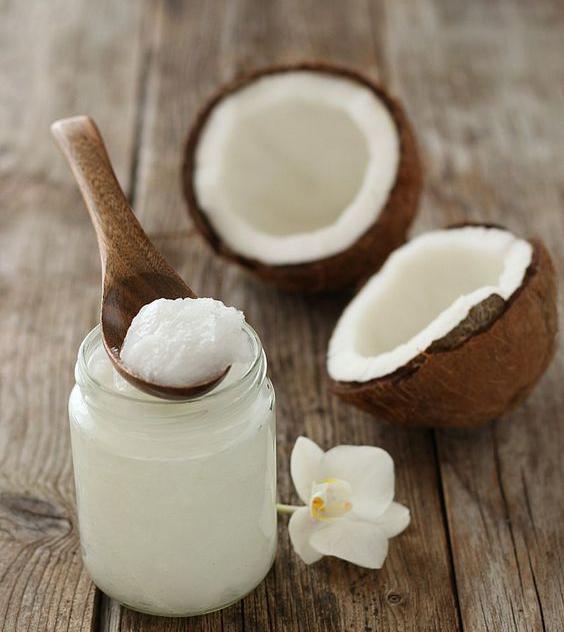 SCRUB CORPO FATTI IN CASA: tecniche caalinghe per avere la pelle morbidissima. #oliodicocco #scrub #dyd #cocco #coconut